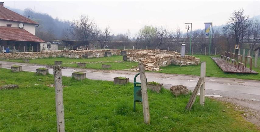 Mili: Put posred arheološkog nalazišta